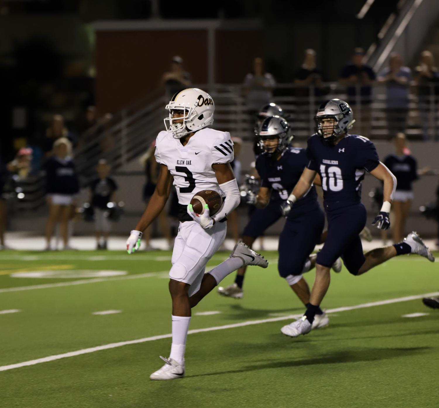 #3 Tyler Hudson runs the ball 50 plus yards for the Panthers first touchdown. Oak went on to win 14-13 and advance to the first round of playoffs.