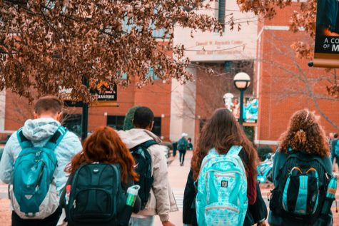 Choosing a college goes beyond just getting admitted. Often finances, location, and especially academic considerations make the decision process difficult.